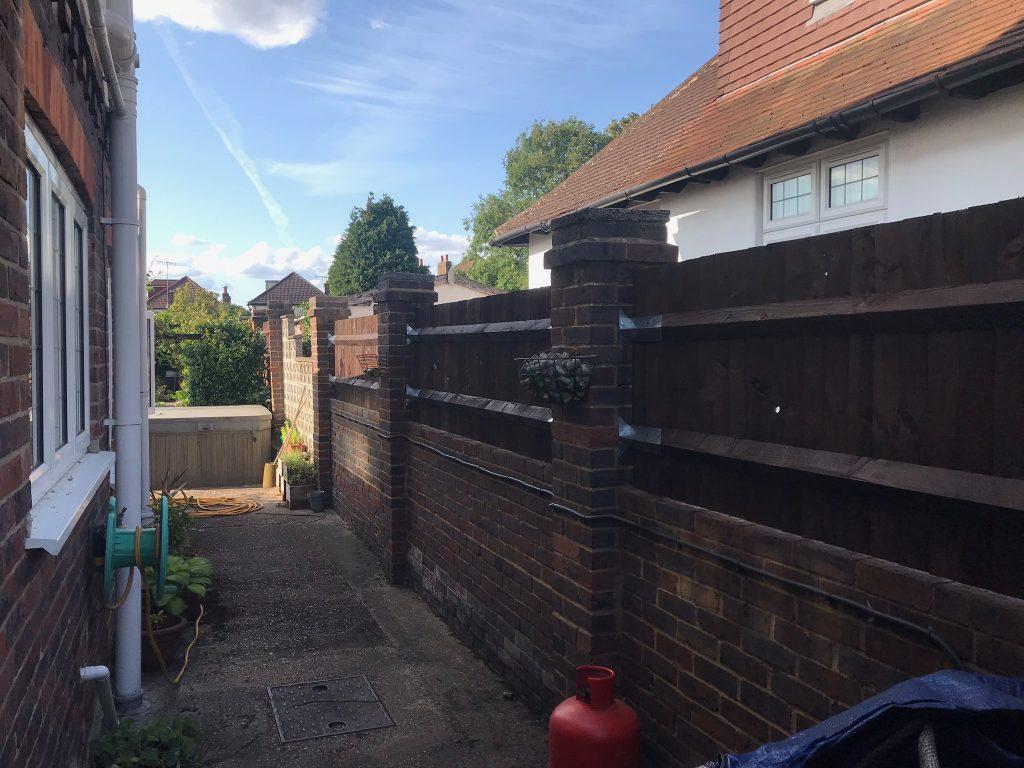 IMG 0030 1024x768 - Garden Fencing