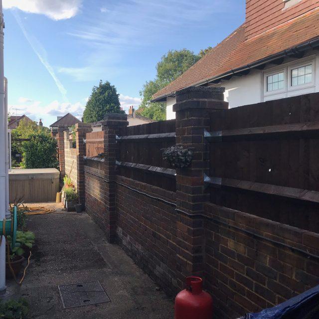 IMG 0030 640x640 - Garden Fencing