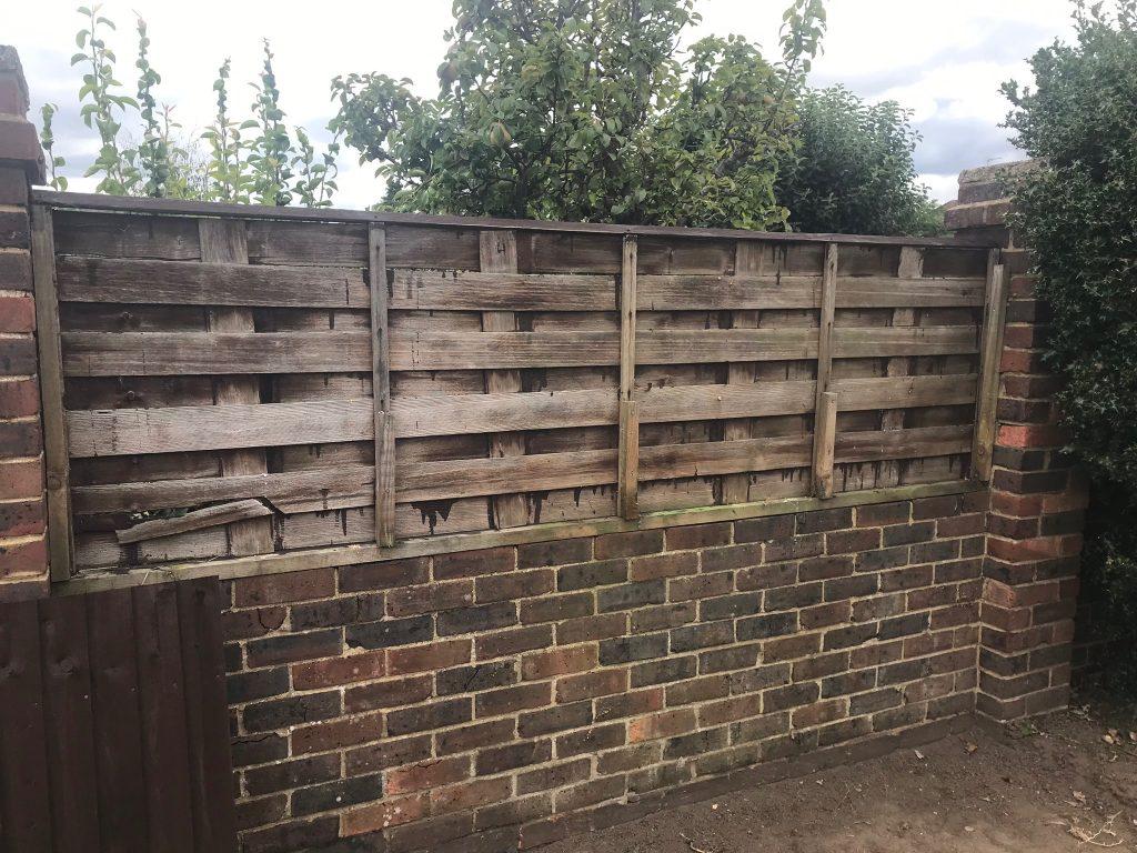 IMG 0022 1024x768 - Garden Fencing